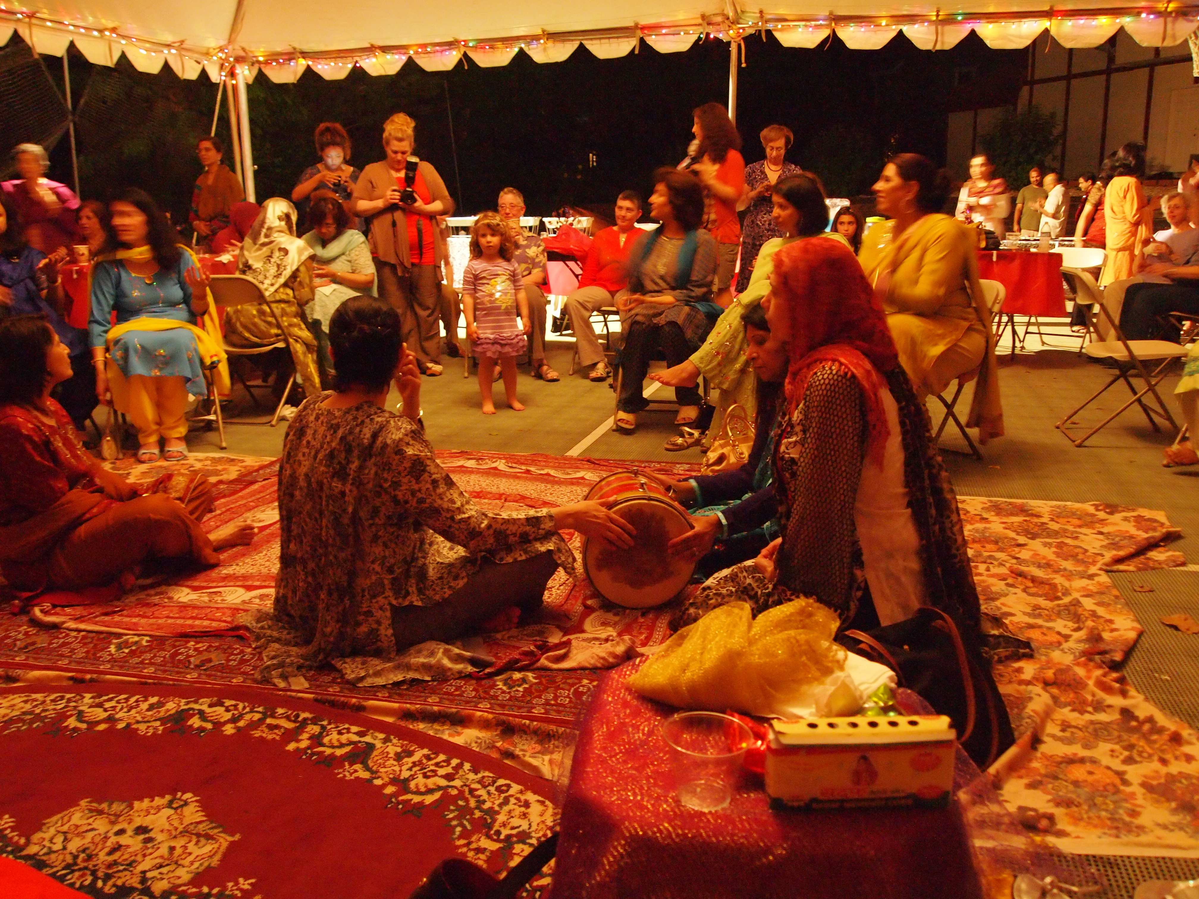 Mehndi Ceremony N Wedding : An indian wedding beginning the weekend with mehndi